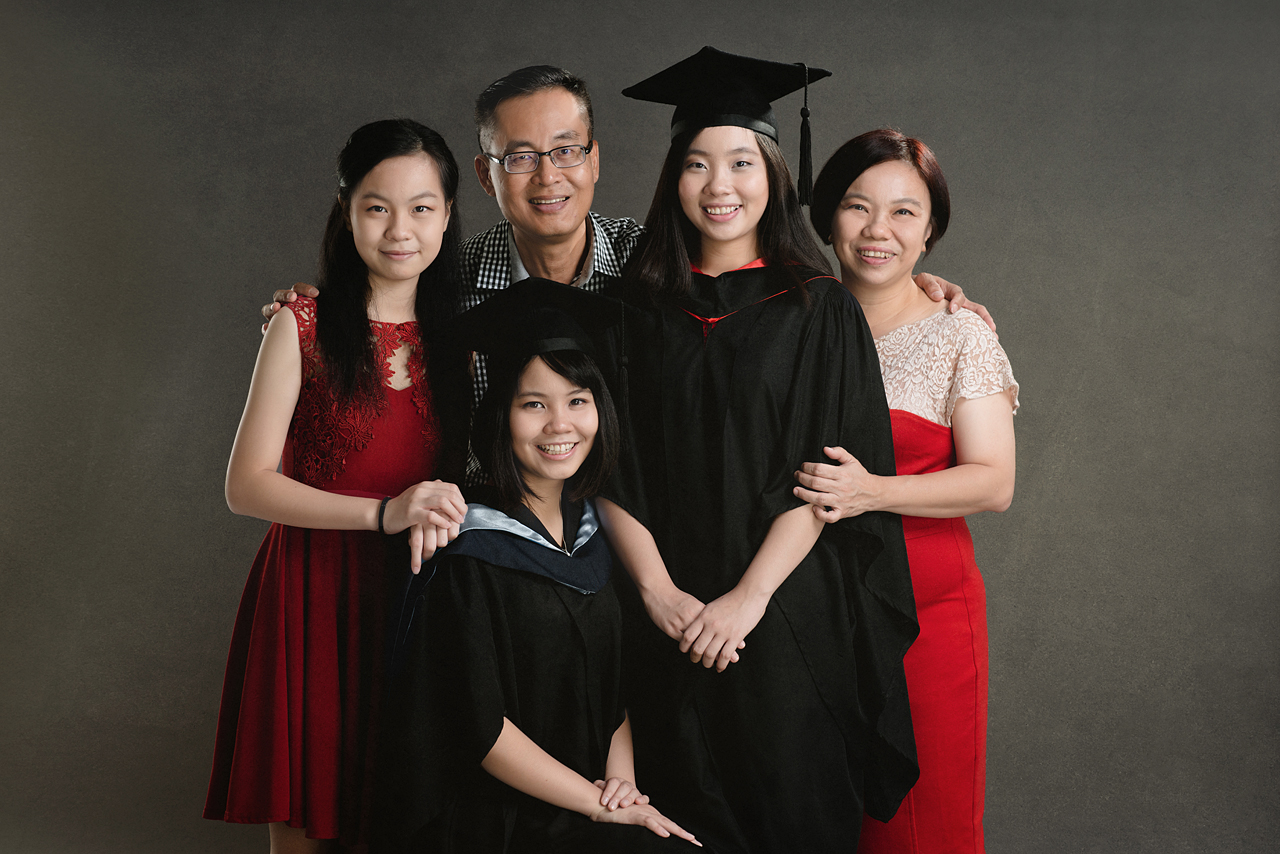 Graduation Portrait Photography by Glance Photography Studio